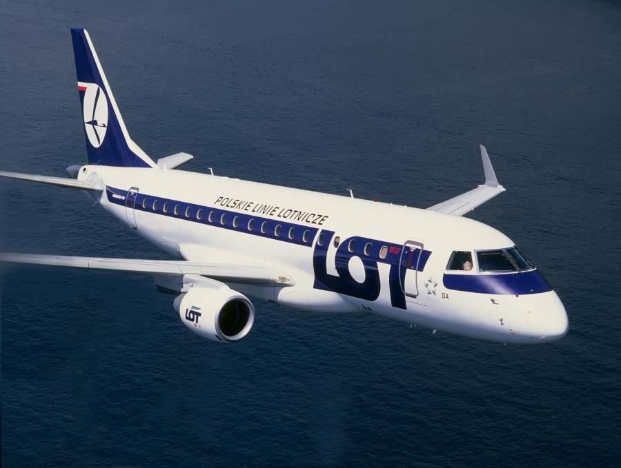 Embraer 175/170 w barwach LOT-u. Embraer 175 jest wydłużoną wersją modelu 170. Fot. LOT