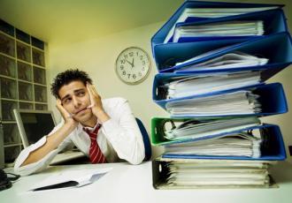 Podpisując umowę leasingu, powinniśmy m.in. sprawdzić, co grozi naszej firmie w przypadku opóźnień lub zaległości w spłacie rat
