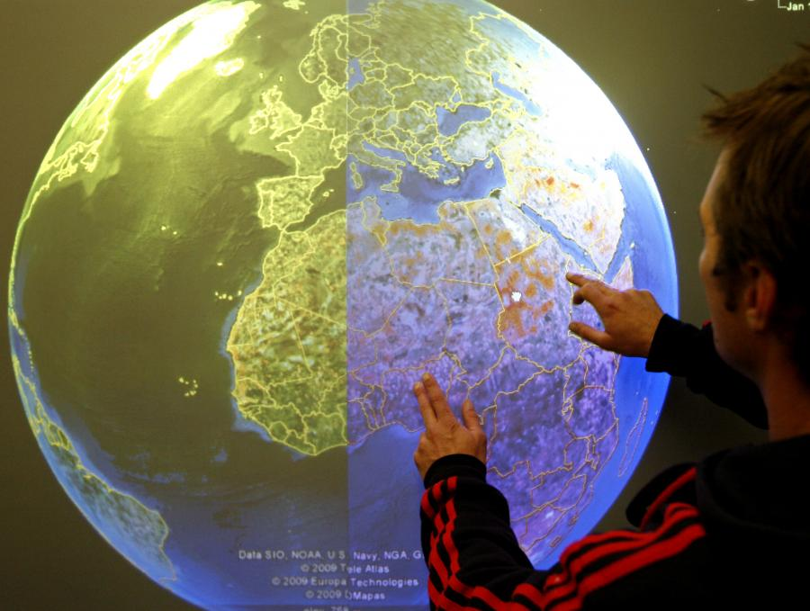 Dotykowa mapa świata Google Earth