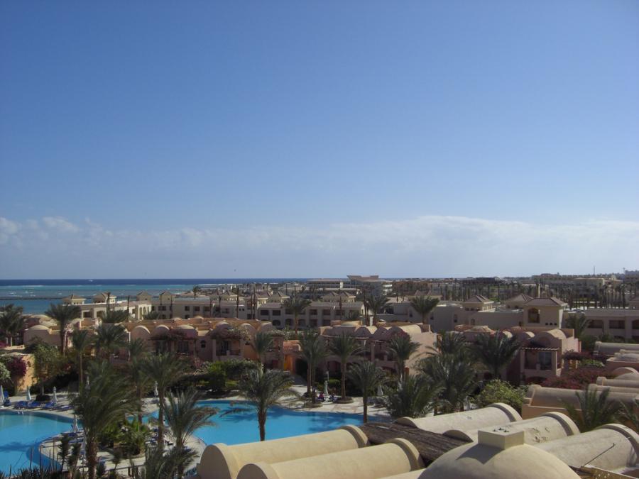 Region Hurghada w Egipcie jest jedną z najpopularniejszych destynacji polskich turystów. Na zdjęciu Makadi Bay. Fot. tacker, źródło: flickr.com. Licencja Creative Commons Attribution-NoDerivs 2.0 Generic