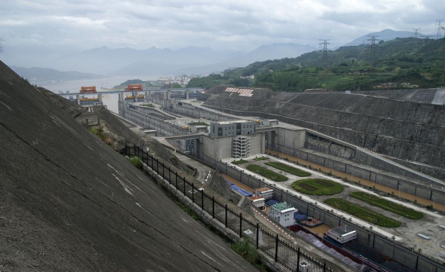 Największa na świecie zapora i elektrownia wodna – Tama Trzech Przełomów na rzece Jangcy, źródło: flickr, autor: puteymark, kod licencji: CC Attribution-Share Alike 2.0 Generic