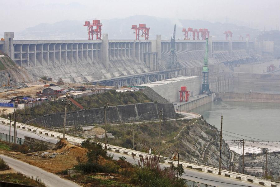 Tama Trzech Przełomów na rzece Jangcy w Chinach ma chronić przed zalaniem gęsto zaludnionej chińskiej prowincji Hubei