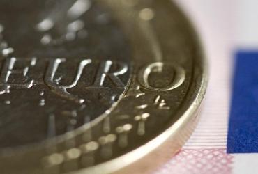 Produkt Krajowy Brutto w strefie euro wzrósł w III kwartale 2010 r. o 0,4 proc. kdk, po wzroście w II kw. o 1,0 proc. - poinformował w czwartek w komunikacie urząd statystyczny Eurostat w pierwszym wyliczeniu.