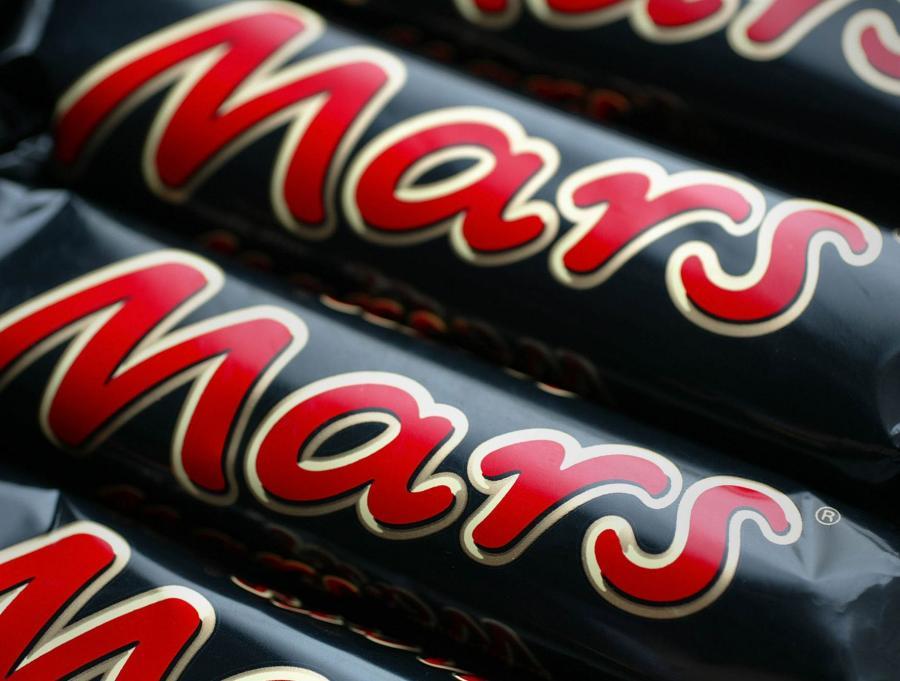 Według danych MERMB, baton Mars jest drugim co do popularności batonem w Polsce (ex-aequo z Kinder Bueno), oba mają ok 9 proc. udział w rynku. Najchętniej kupowany jest Snickers, którego sprzedaż stanowią prawie 1/6 rynku.