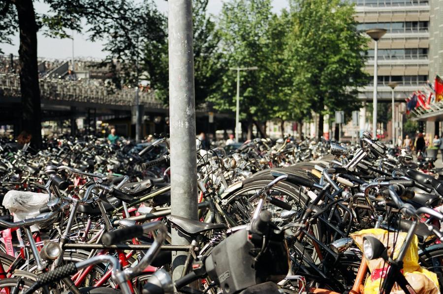 Rowery na parkingu