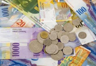 Euro i franki wracają do oferty banków