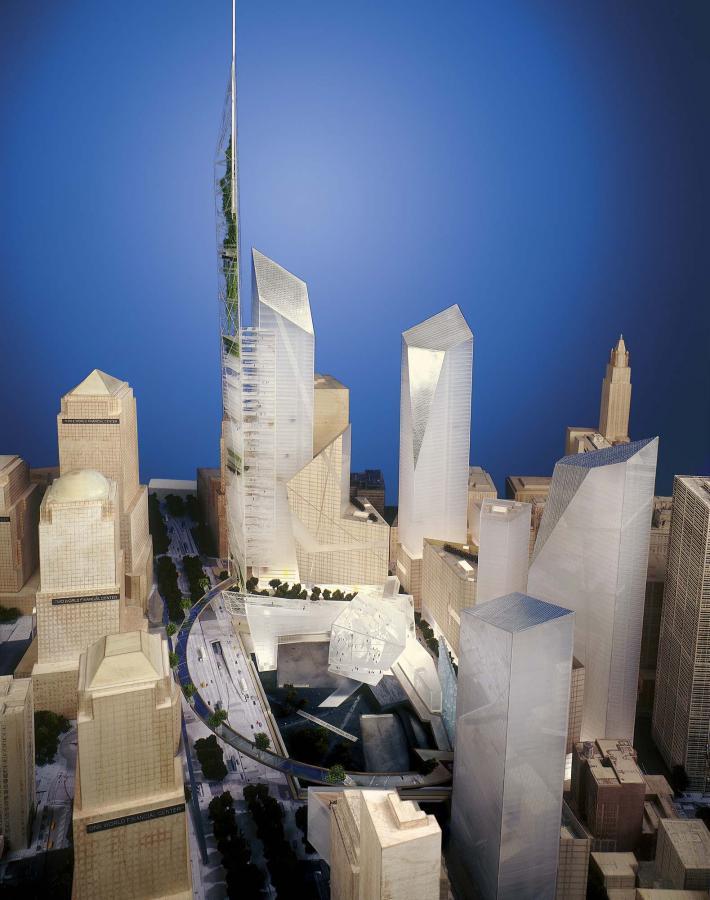 Makieta przedstawiająca kompleks budynków, któe powstają w Miejscu World Trade Center