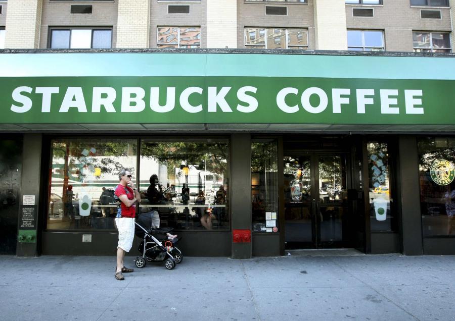 Kawiarnia sieci Starbucks w Nowym Jorku