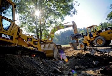 Konsorcjum firmy budowlanej Polimex-Mostostal podpisało umowę z Generalną Dyrekcją Dróg Krajowych i Autostrad Oddział w Łodzi na budowę odcinka autostrady A1 Stryków - węzeł Tuszyn o wartości 1,15 mld zł brutto, poinformowała spółka w komunikacie.