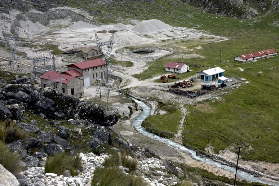 Elektrownia wodna bez tamy firmy Cia Boliviana de Energia Eleca SA (COBEE) w dolinie Zongo niedaleko La Paz w Boliwii. Fot: Lisa Wiltse/Bloomberg