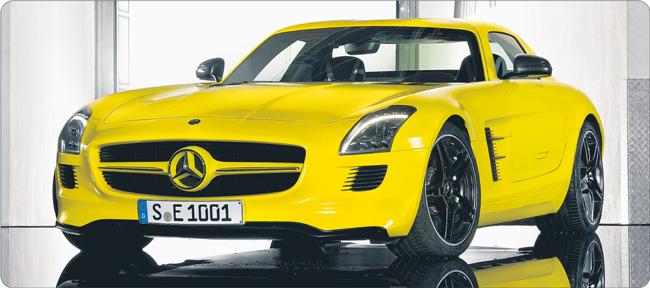 Mercedes SLS AMG E-cell dorównuje osiągami najszybszym autom spalinowym. Cena tradycyjnego SLS AMG zaczyna się od 183 tys. dol. Jego młodszy elektrycznych brat będzie o kilkanaście tysięcy droższy Fot. mat. prasowe