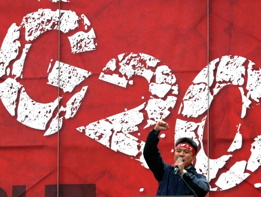 Polska ma dużą szansę wpływać na agendę szczytów krajów G20 poprzez organizacje międzynarodowe, w których jest członkiem - uważa dyrektor departamentu zagranicznego Ministerstwa Finansów Michał Baj. Natomiast ewentualnemu członkostwu może sprzyjać PKB. Szczyt G20 w Seulu