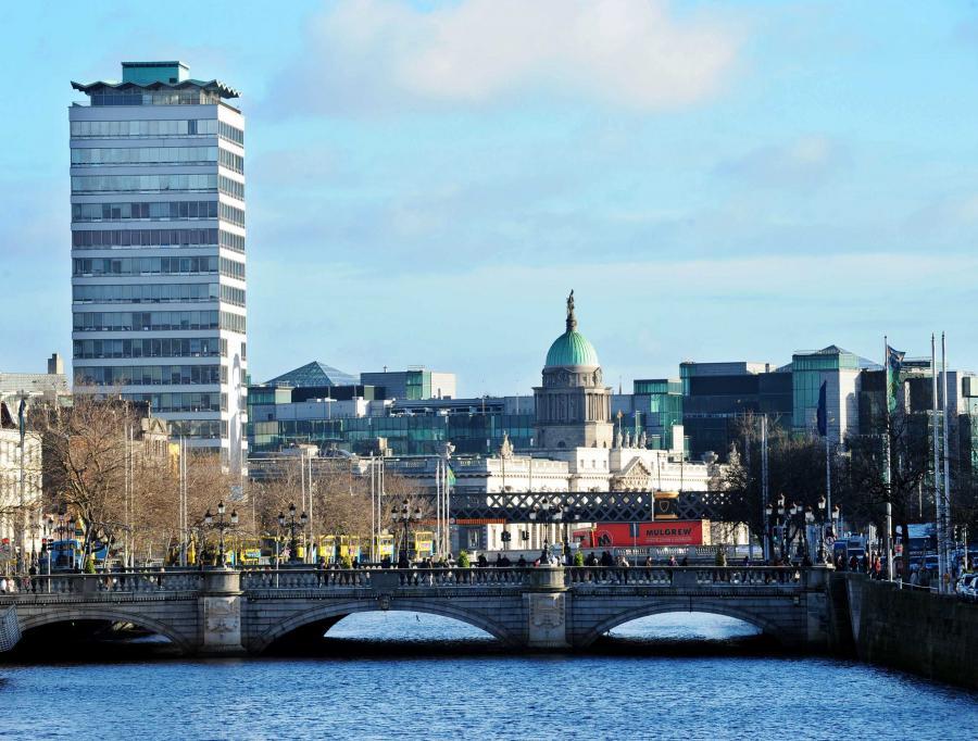 Premier dotkniętej poważnym kryzysem finansów publicznych Irlandii Brian Cowen zapowiedział w poniedziałek, że parlament zostanie rozwiązany po uchwaleniu przyszłorocznego budżetu, co oznacza przedterminowe wybory.