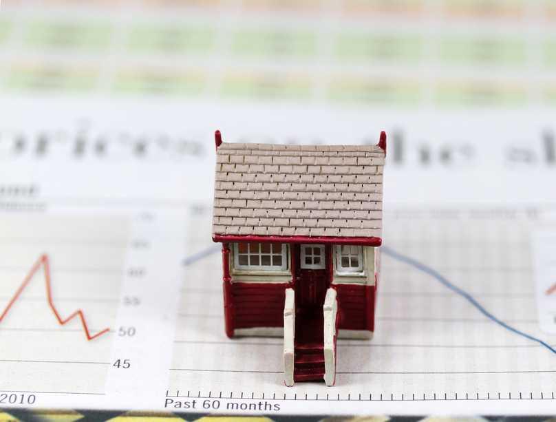 W grudniu po raz kolejny spadł poziom optymizmu na rynku nieruchomości. Obecnie 35% doradców spodziewa się spadku cen w perspektywie 12 miesięcy.  Fot. Shutterstock