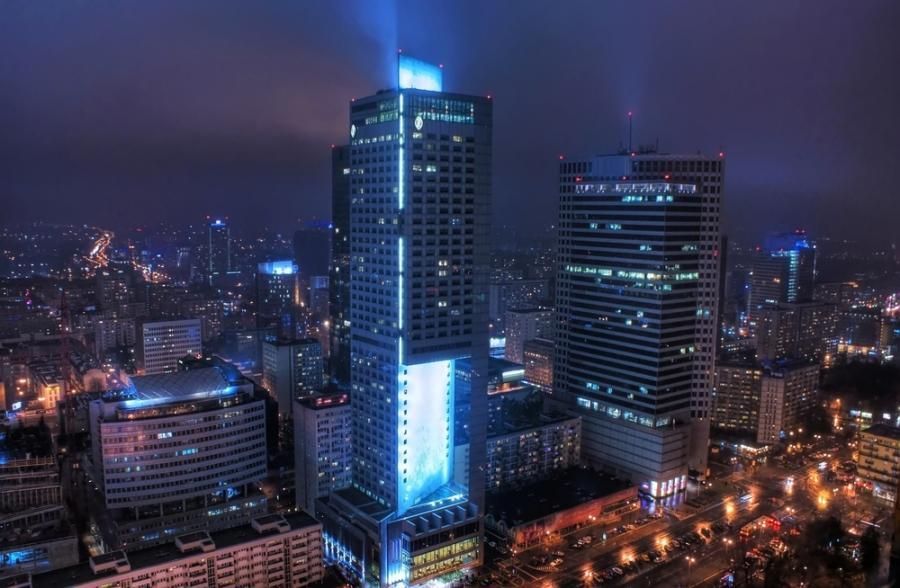 Widok na wieżowce w centrum Warszawy. Fot. Shutterstock
