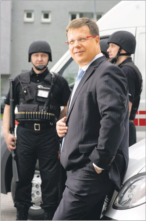 Agenci – zdaniem Pawłowicza – nie muszą się kojarzyć z osiłkami i milicją z czasów PRL Fot. Piotr Waniorek/Forbes/Forum