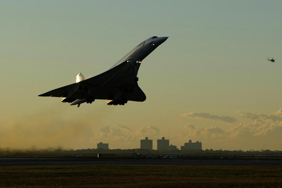 Samolot Concorde startuje z lotniska Kennedyego w Nowym Jorku.