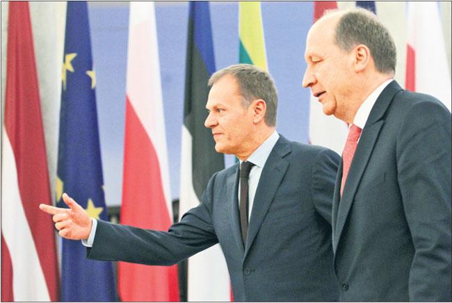 Wczoraj w Warszawie szefowie rządów Polski, Litwy (Andrius Kubilius na zdjęciu z prawej), Łotwy i Estonii rozmawiali o projektach zwiększających bezpieczeństwo energetyczne w Europie