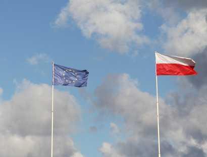 Flaga Polski i UE Fot. Shutterstock