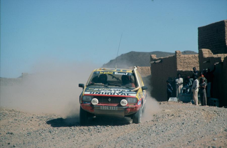 Renault R20 4x4 Paris-Dakar 1982 r. (1) fot. materiały prasowe Renault Polska