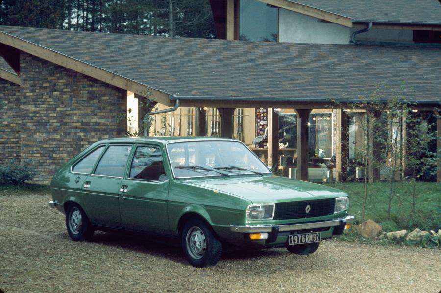 Renault R20 TL 1975 r. fot. materiały prasowe Renault Polska