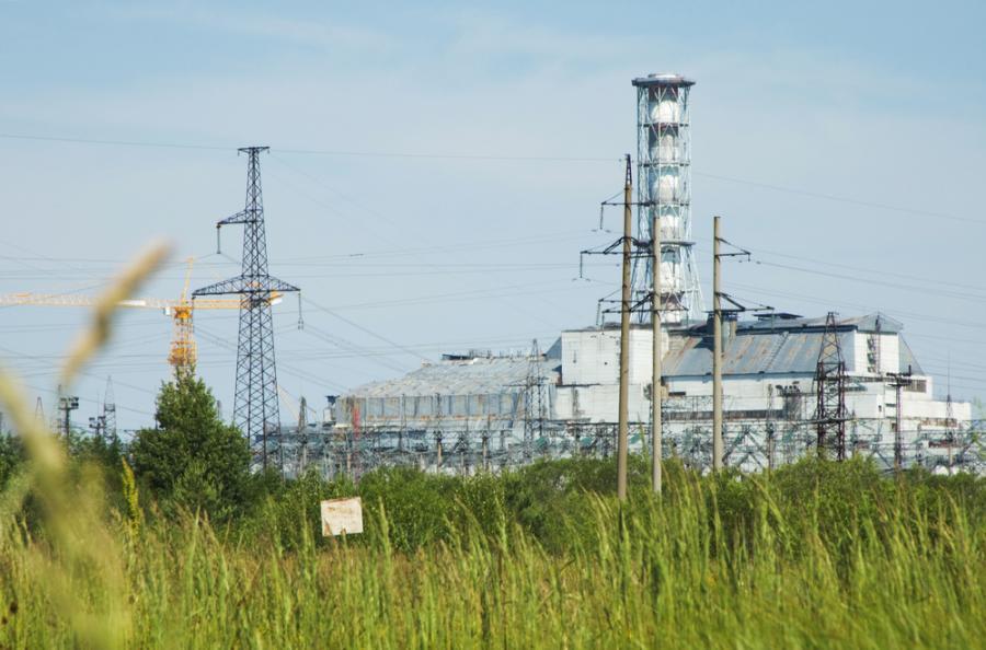 Elektrownia Czarnobyl, widok z opuszczonego miasta Prypeć. Fot. Shutterstock