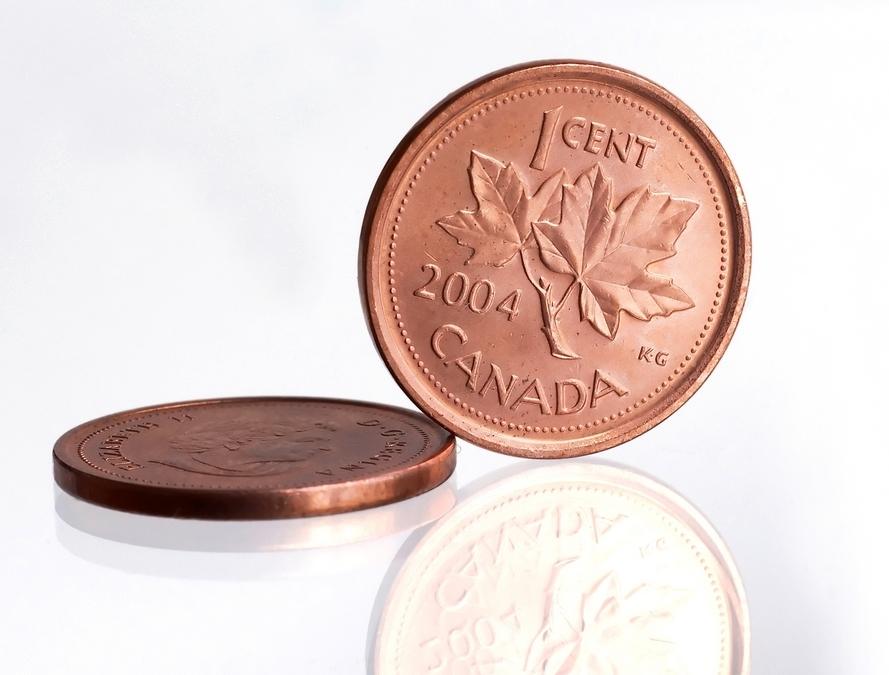 Kanadyjski Senat zarekomendował rządowi i bankowi centralnemu zaprzestanie bicia monety jednocentowej. Koszt jej produkcji to 1,5 centa. Jeśli rekomendacja zostaną przyjęte, w ciągu roku penny zostanie wycofany z obiegu - relacjonują kanadyjskie media. Fot. Shutterstock