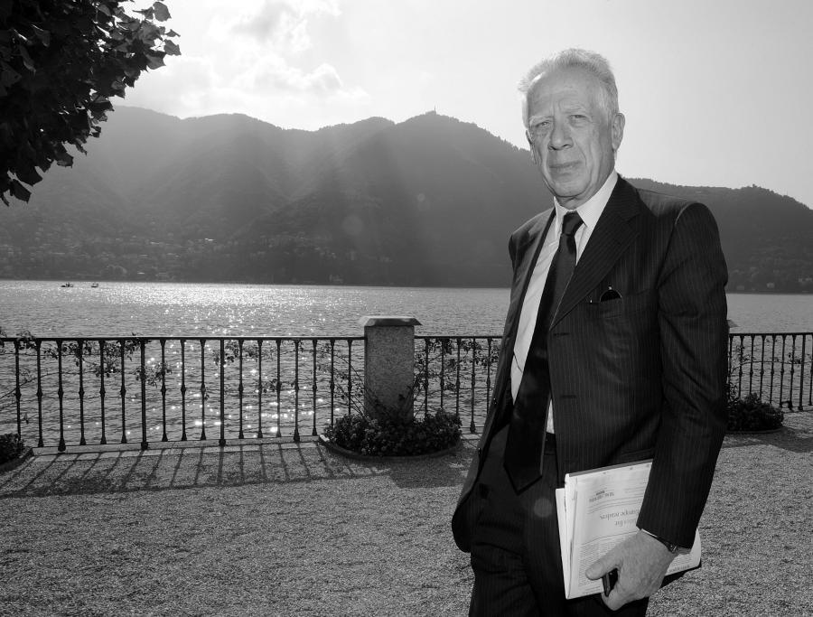 Tommaso Padoa Schioppa, były minister finansów Włoch, wybitny ekonomista, wieloletni członek zarządu Europejskiego Banku Centralnego, uważany za jednego z ojców euro.