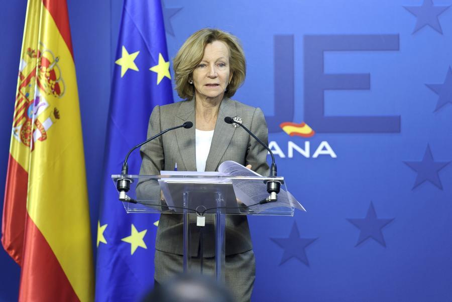 Elena Salgado, minister finansów w rządzie premiera Jose Luisa Zapatero, podczas wystąpienia na szczycie UE.
