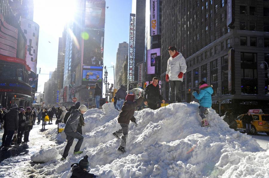 Zaśnieżony Times Square w Nowym Jorku