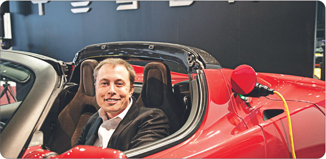 Tesla to dzieło Elona Muska, charyzmatycznego przedsiębiorcy z Doliny Krzemowej, który zbił fortunę na informatyce i przemyśle kosmicznym. Fot. Corbis/FotoChannels