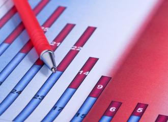 Wzrost gospodarczy w tym roku może sięgnąć nawet 4 proc. w ujęciu rocznym, a 2011 rok przyniesie jeszcze wyższą dynamikę PKB - ocenia Aneta Piątkowska, dyrektor Departamentu Analiz i Prognoz w Ministerstwie Gospodarki.