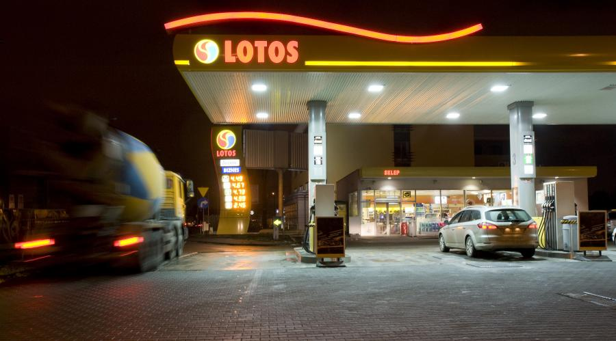Stacja paliw Lotos