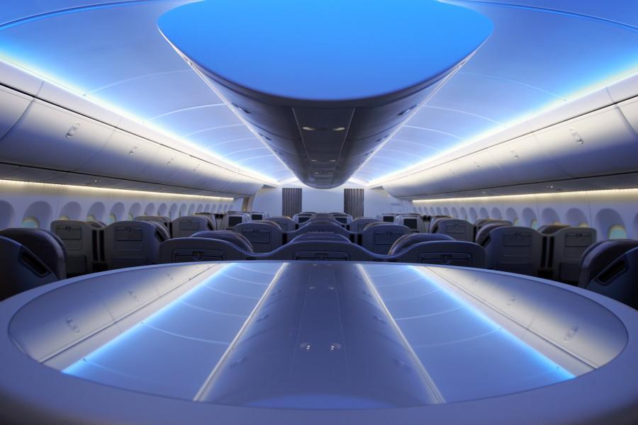 Boeing 747- 8 Intercontinental na pokazie dla prasy w Renton w stanie Waszyngton. Wnętrze klasy biznesowej. fot: Kevin P. Casey/Bloomberg News.