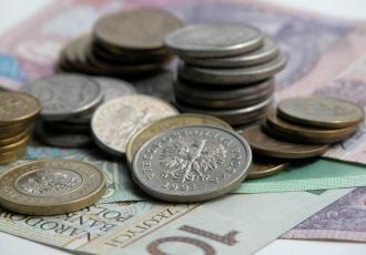 Bankowość transakcyjna dla klientów korporacyjnych to w większości przypadków zestaw podstawowych usług, z których każdy z nas jako osoba fizyczna korzysta także na swoim prywatnym rachunku
