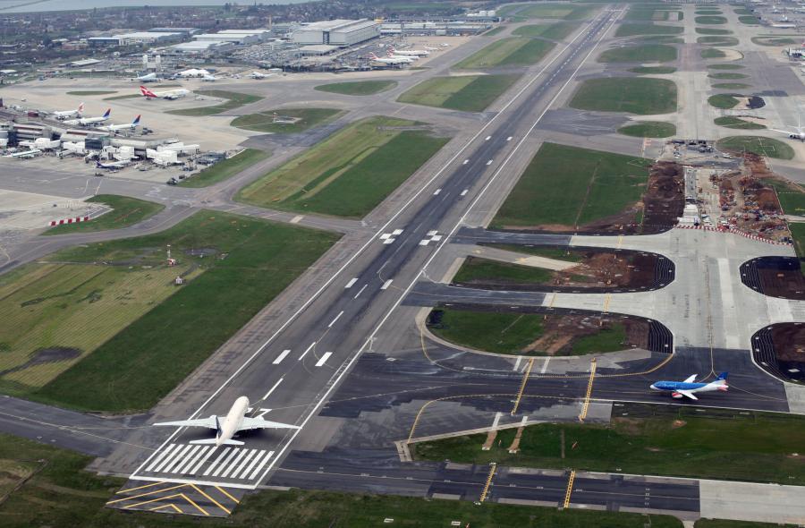 [Obrazek: 366585-port-lotniczy-londyn-heathrow-2.jpg]