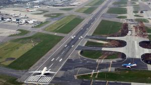 Port lotniczy Londyn-Heathrow 2, mat. bloomberg