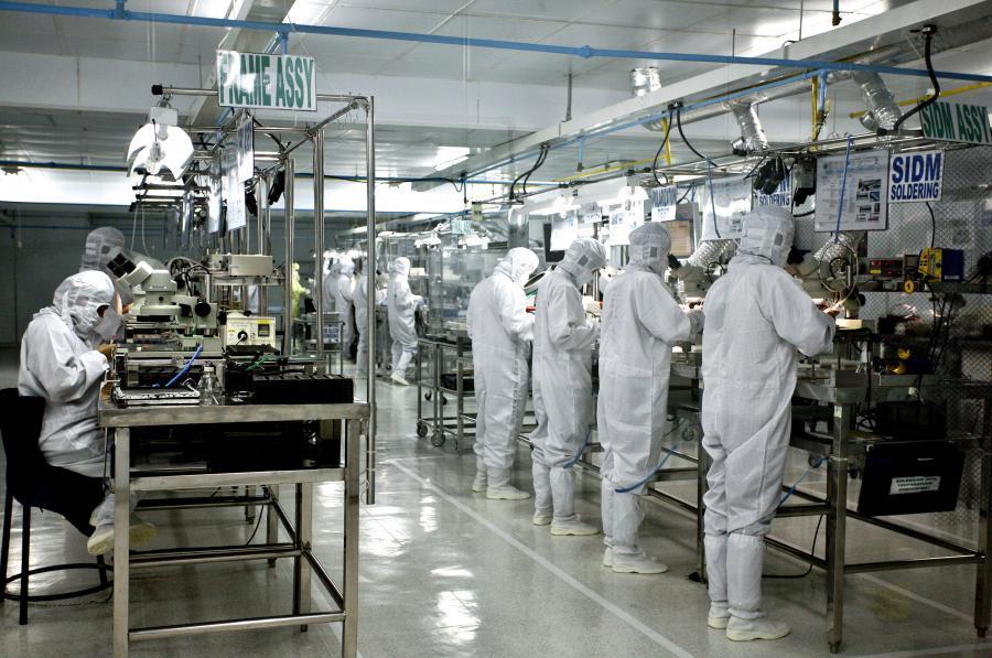 Fabryka komponentów dla Koniki i Minolty
