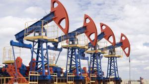 Ropa naftowa Fot. Shutterstock
