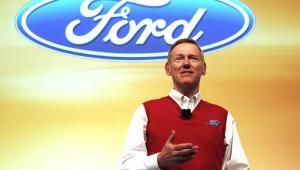 Alan Mulally, dykektor zarzadzający Forda.