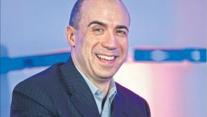 Jurij Milnier, który nakłonił Aliszera Usmanowa do inwestycji w internet, należy do nowego pokolenia oligarchów. Majątek robią na inwestycjach w spółki hi-tech, a nie dzięki surowcowej rencie Fot. Bloomberg
