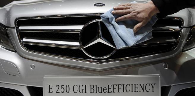 Nowy model  Daimler Mercedes E250 CGI BlueEFFICIENCY podczas targów Geneva International Motor Show w Genewie, w Szwajcarii