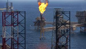 Platforma naftowa firmy Petroleos Mexicanos na polu naftowym Ku-Maloob-Zaap w Zatoce Meksykańskiej.