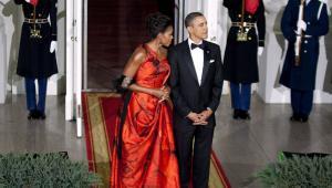 Prezydent USA i jego żona Michelle zarobili w ubiegłym roku 1,7 mln dolarów i zapłacili 453,77 tys. dol. podatku. Państwa Obama mieli znacznie skromniejsze dochody niż w 2009 roku, kiedy to ich zarobki wyniosły 5,5 mln dol.