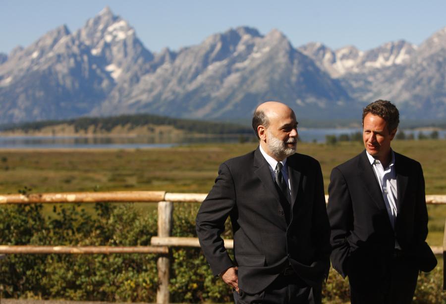 Sekretarz skarbu USA Timothy Geithner i szef Fedu Ben Bernanke, fot. Bloomberg