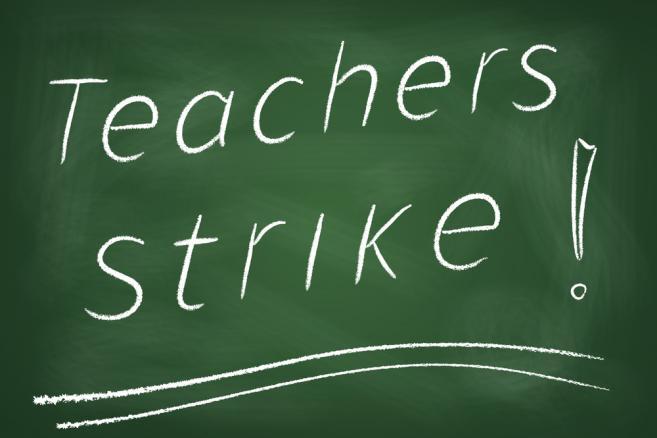 4191402-strajk-nauczyciele-szkola-657-438