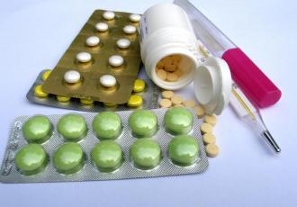 Tabletki i termometr