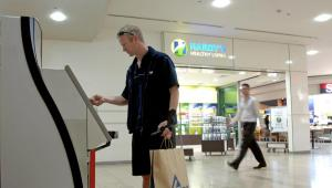 Bankomat na lotnisku