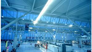 Terminal 2 lotniska Chopina w Warszawie (1). Fot. Wojciech Wieteska, materiały UM Warszawa