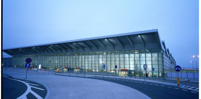 Terminal 2 lotniska Chopina w Warszawie (2). Fot. Wojciech Wieteska, materiały UM Warszawa
